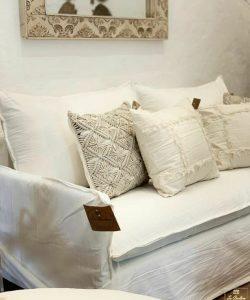 sofa enfundado ghost